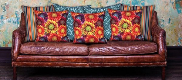 Cushy Flowers Designer Cushion Cover